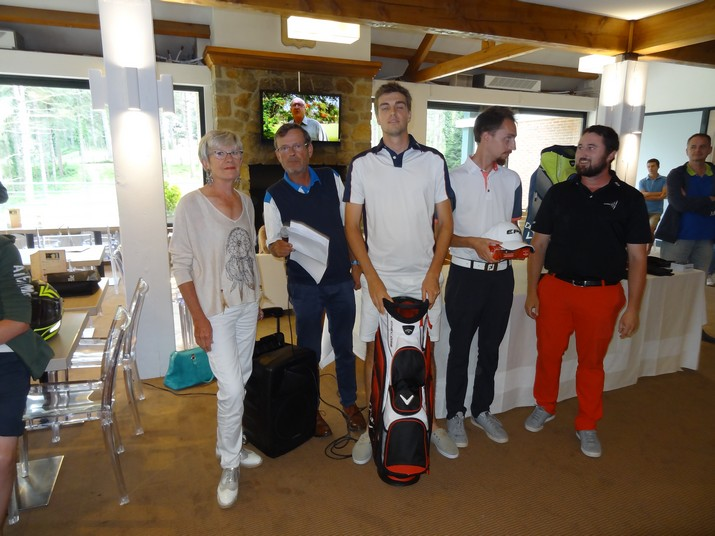 Coupe CARRE GOLF 11