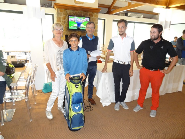 Coupe CARRE GOLF 13