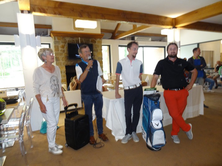 Coupe CARRE GOLF 16