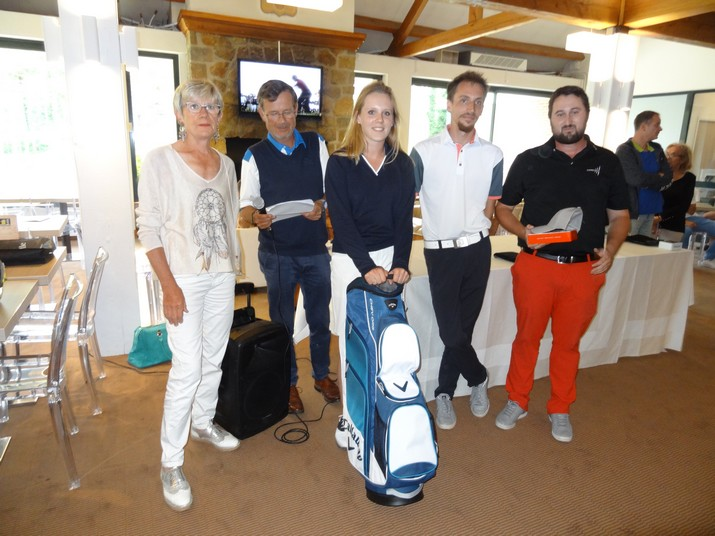 Coupe CARRE GOLF 18
