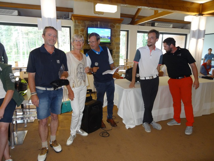 Coupe CARRE GOLF 20